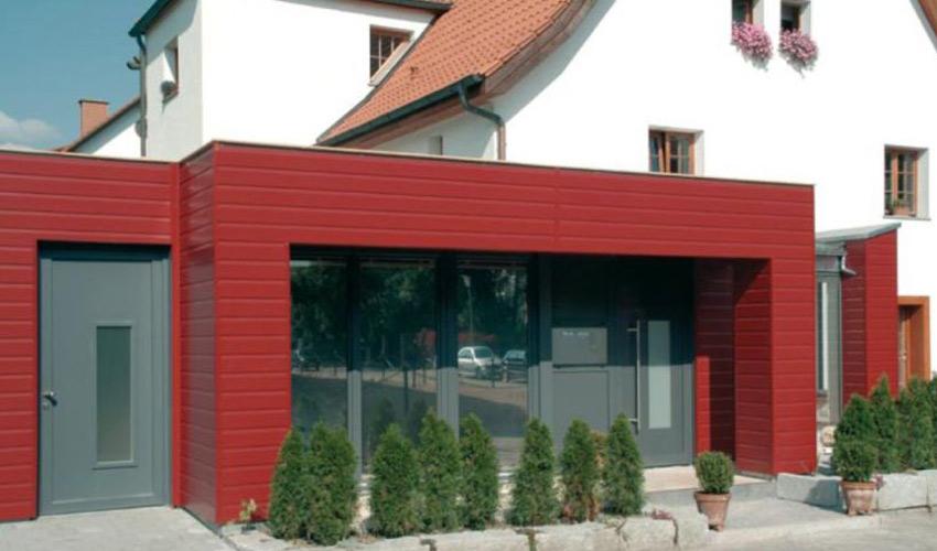vorhangfassade vinyplus als fassadenpaneel aus kunststoff. Black Bedroom Furniture Sets. Home Design Ideas